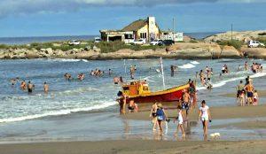 Supermercado, Pizzeria  y Cabañas en Punta del Diablo U$750.000